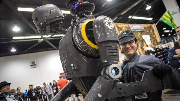 life-size-k-2so-puppet-cosplay Life-Size Star Wars K-2SO Puppet Cosplay Random