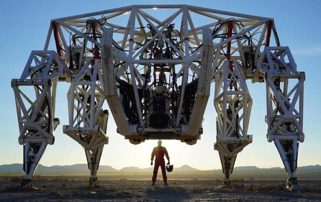 prosthesis-exoskeleton Prosthesis Exoskeleton, A Giant 15′ Tall, 8000 Pound Mech Suit That Can Reach a Top Speed of 20 MPH Random
