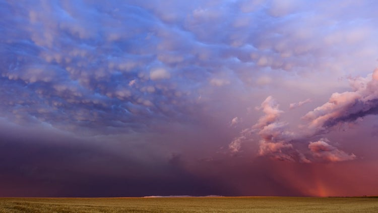 stormlapse-north-dakota Storm Chaser Captures a Gorgeous Timelapse of a Colorful Storm Moving Over the South Dakota Plains Random