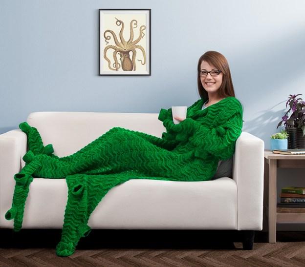 tentacuddle-blanket A Cozy Tentacuddle Blanket for Kraken Lovers Random