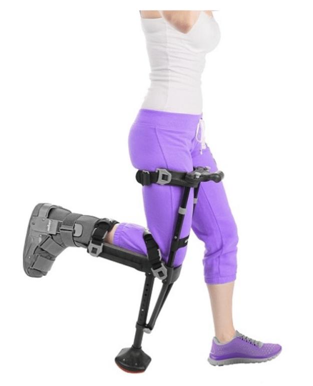 iWalk-2.0-Runnning iWalk 2.0, A Cleverly Designed Hands-Free Crutch For Lower Leg Injury Support With Walking Stability Random