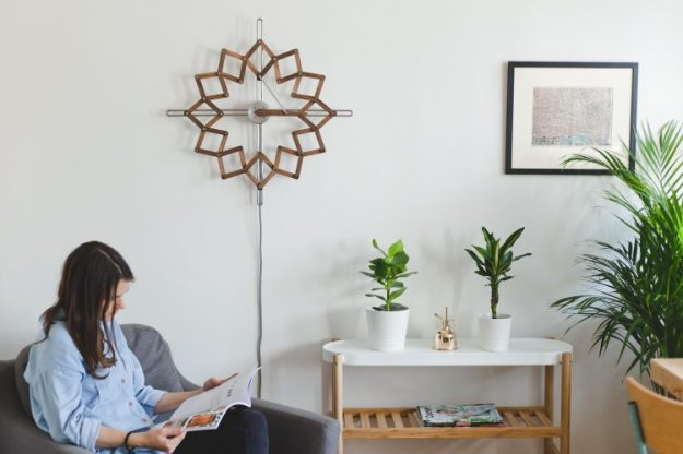 Animaro-Solstice-72dpi-0944-e1542213143914 A Unique Kinetic Wall Clock That Gradually Expands and Contracts With Each Passing Hour of the Day Random