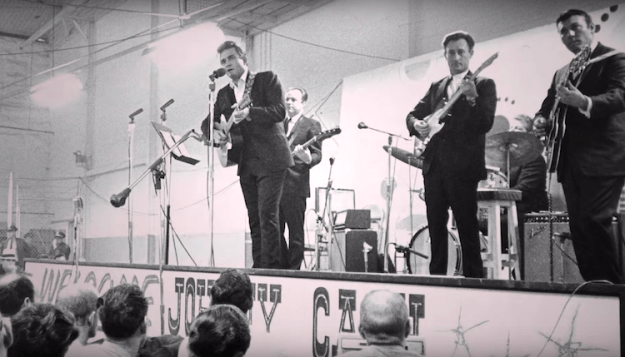 Johnny-Cash-Performing-at-Folsom-Prison How Johnny Cash's Raw 1968 Performance at Folsom Prison Reinvigorated His Flailing Music Career Random