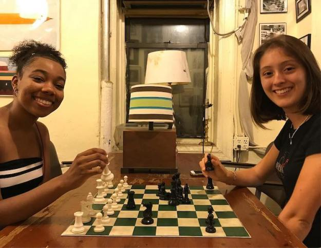 Chess-Forum1 Touching Film About the Last Surviving Chess Shop in NYC That Always Invites Everyone to Come In and Play Random