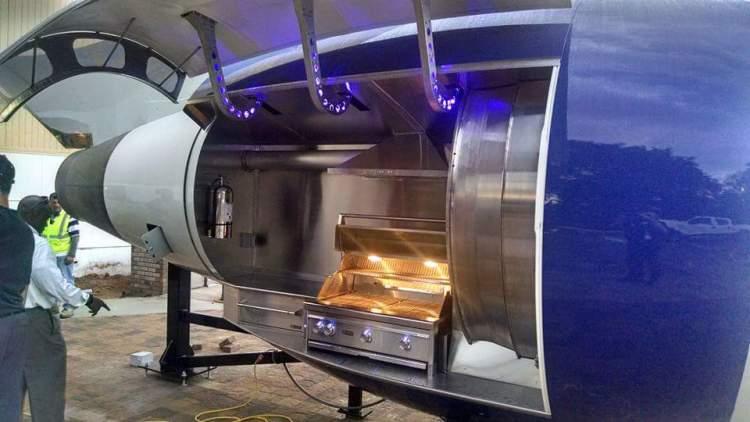 Delta 757 Jet Engine Grill Open
