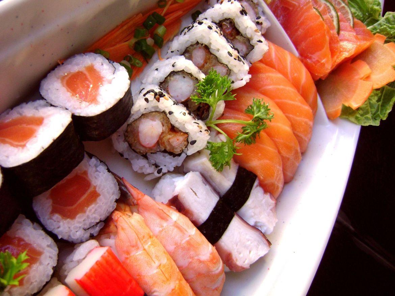 sushi-1387860_1920
