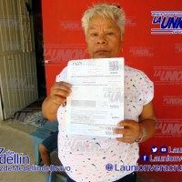 Doña Audelia pide ayuda para que no la dejen sin agua, en Medellín.
