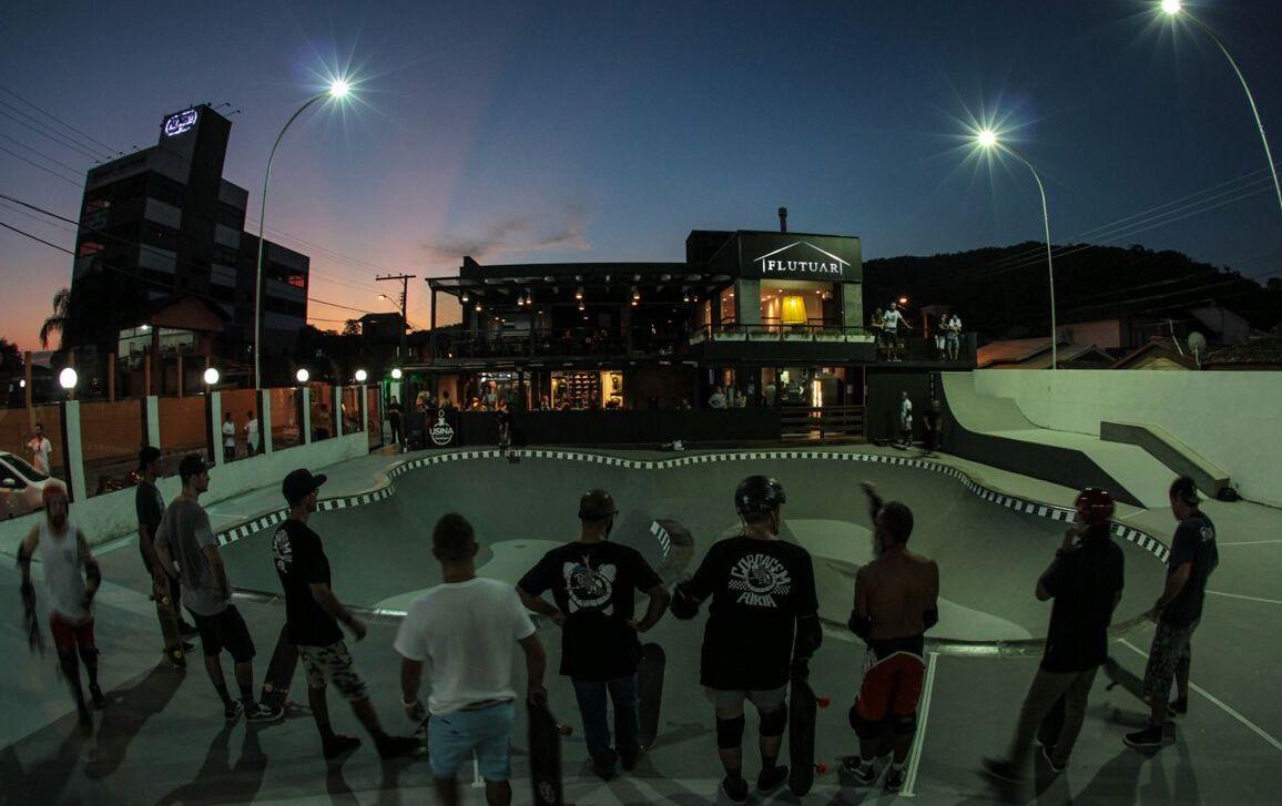 Casa Flutuar vai reunir loja, hamburgueria, bar de drinques e pista de skate no Rio Tavares
