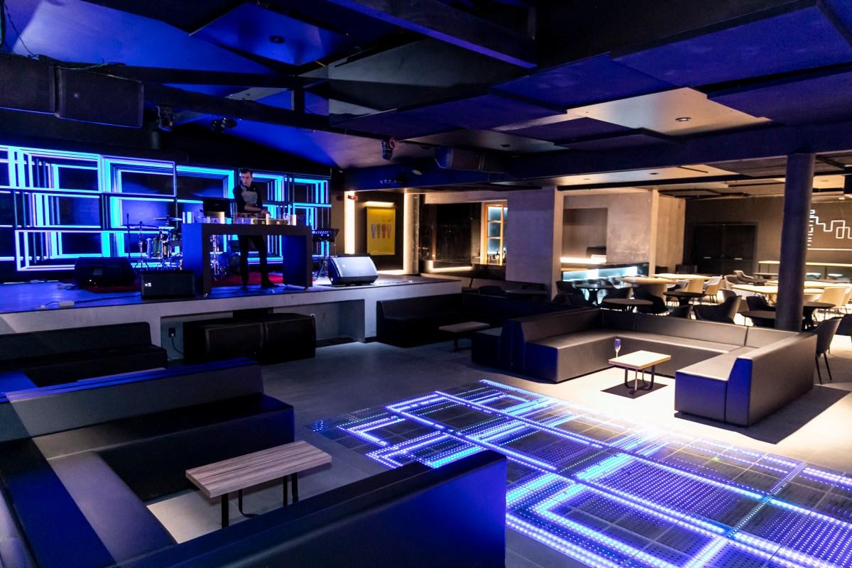 No antigo Bistrô D'Acampora, em Florianópolis, Área 52 reúne restaurante, bar e casa de shows