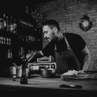 Gastro news: Pizzaria Artesano e Ferro, novo bar e restaurante de Léo Abreu, inauguram no Santa Mônica