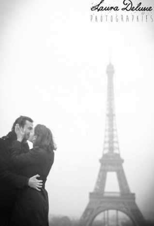 photo couple tour eiffel