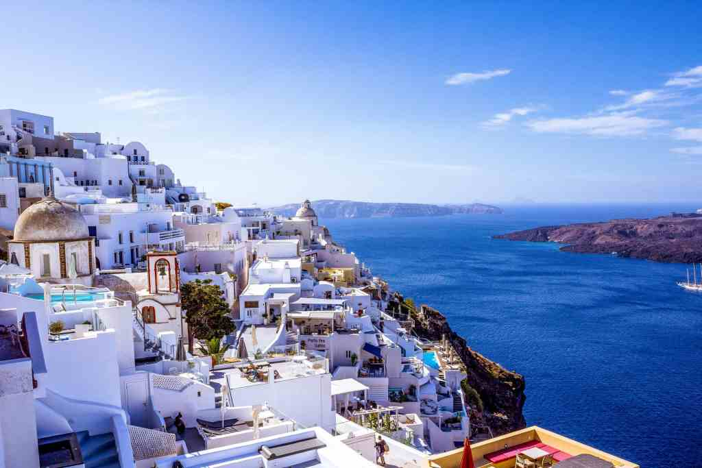 Where to Eat in Fira, Santorini - www.lauraenroute.com - #santorini