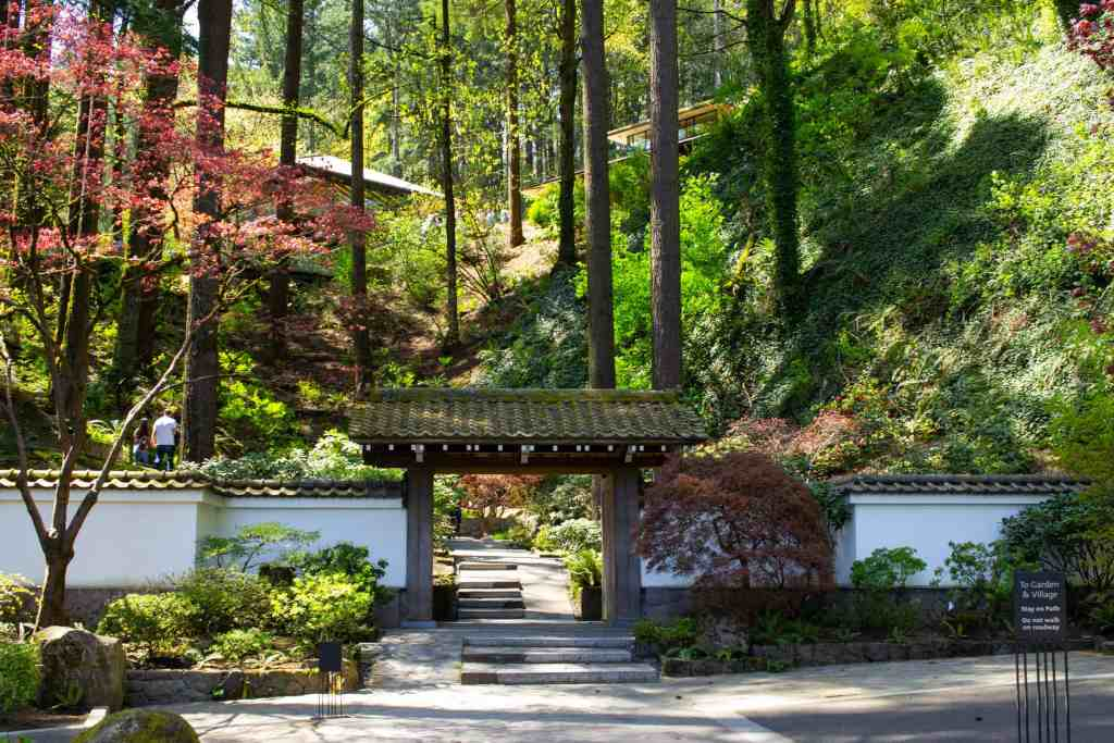Portland Japanese Garden - How to Spend a Long Weekend in Portland - www.lauraenroute.com