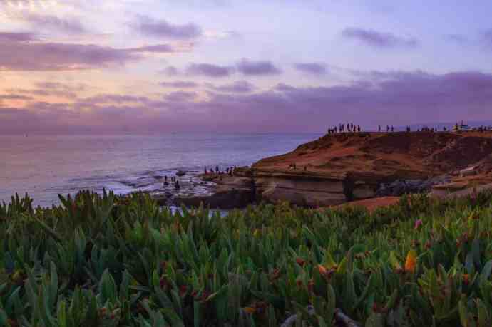 Sunset Cliffs - San Diego 4 Day Itinerary - www.lauraenroute.com