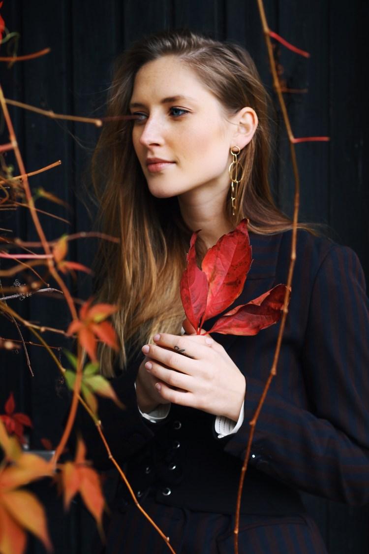 How_to_wear_a_corset_belt_pt2_fashion_münchen