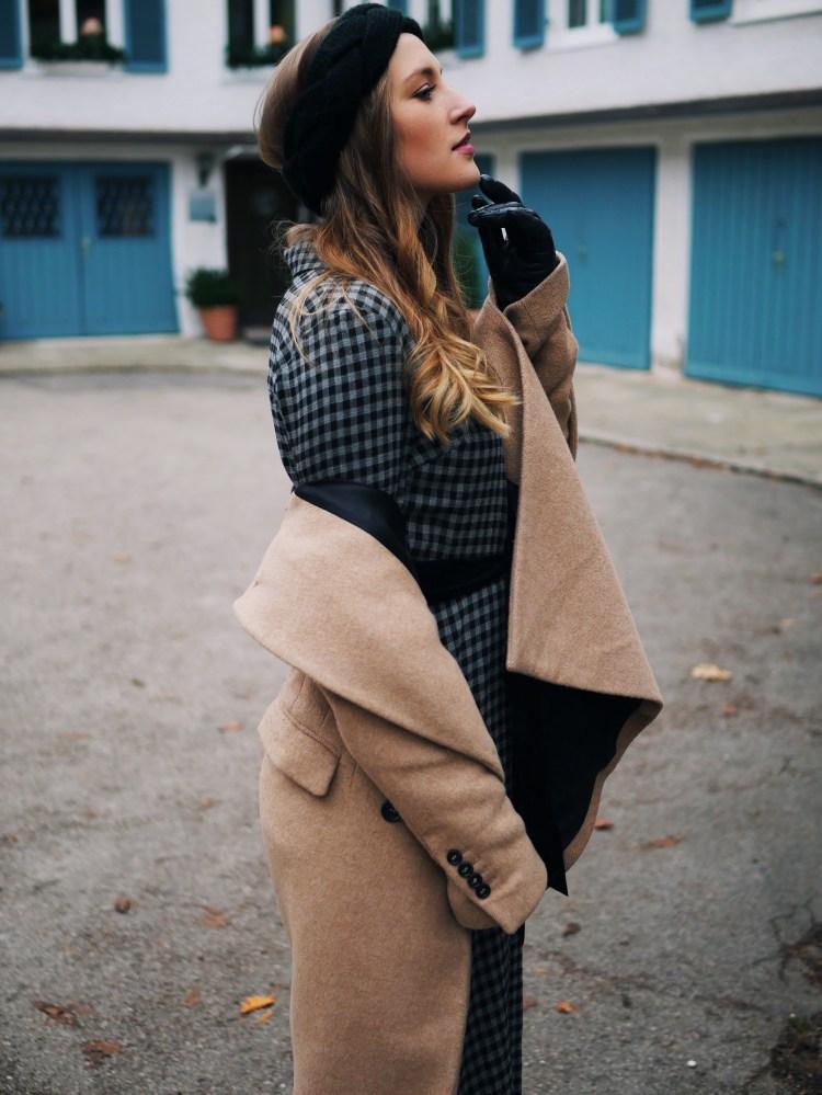 Karo Maxidress, Camel Coat and Vinyl Ankle Boots