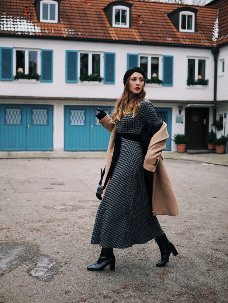 Karo Maxidress, Camel Coat and Vinyl Ankle Boots