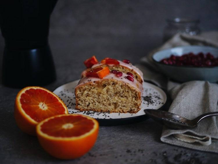 Blutorange Chiasamen Kuchen mit Granatapfel
