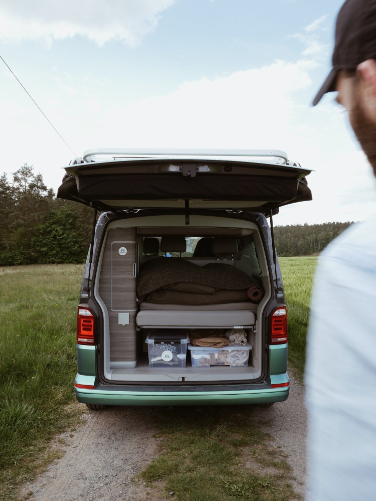 Roadsurfer VW California T6 Ocean