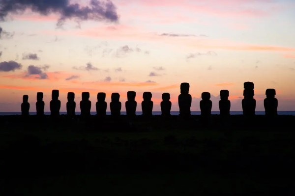 Laura June Kirsch, Easter Island, Horses