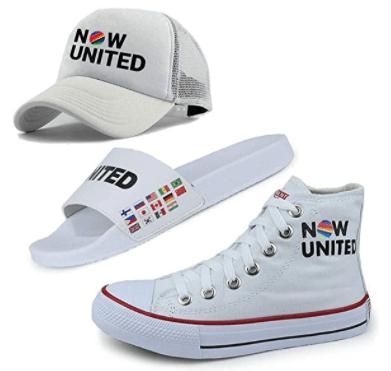 Kit calçados brancos do Now United com tênis chinelo slipper e boné