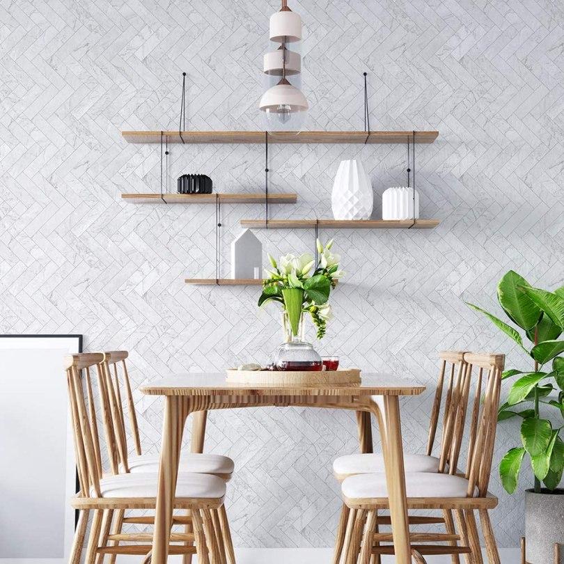 azulejo adesivo branco grudado para cozinha