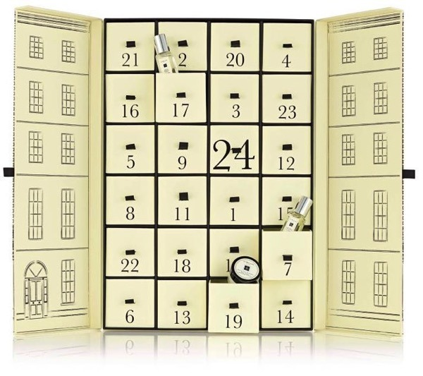 Laura Kate Lucas Blog. Manchester based fashion and lifestyle blogger. Jo Malone advent calendar 2015