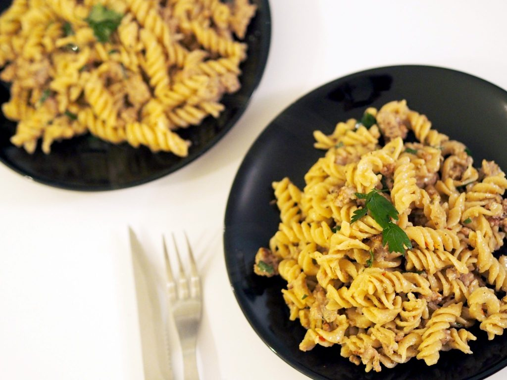 Laura Kate Lucas - Manchester based Lifestyle and Fashion Blogger | Herby Sausage Pasta Recipe Using Grandad's Sausages