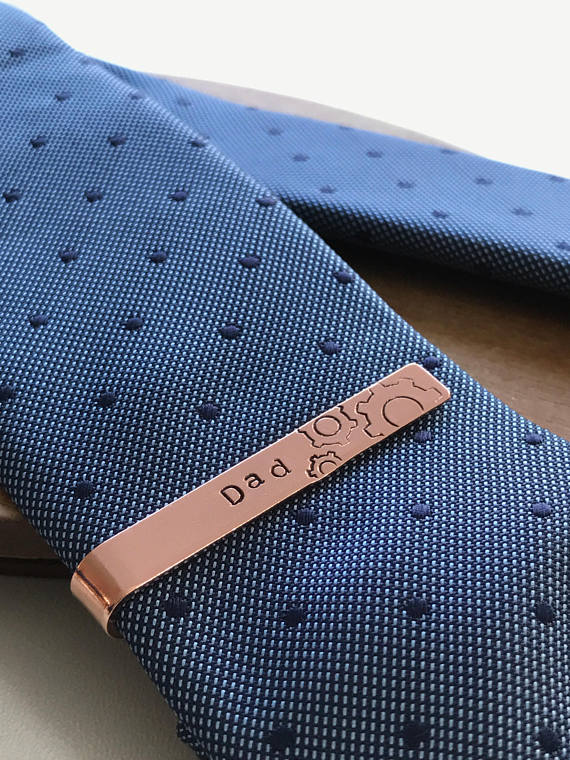 Laura Kate Lucas - Manchester Fashion, Lifestyle and Beauty Blogger | Etsy Christmas Gift Guide - Personalised Tie Clip