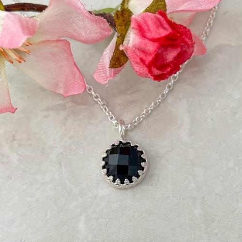 Black onyx gemstone silver pendant