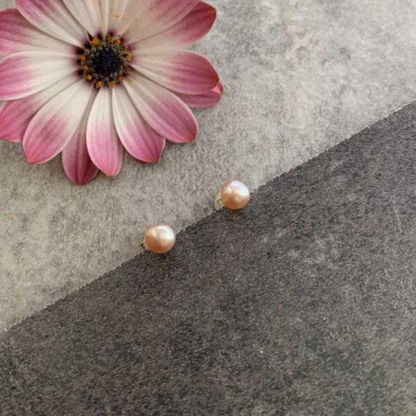 pink pearl stud earrings