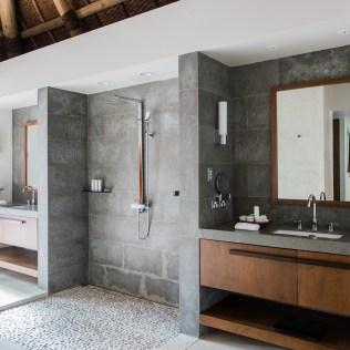 6. Beachfront Villa - Master Bathroom