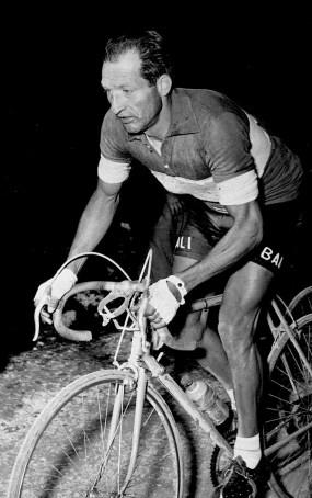 Gino_Bartali_1945