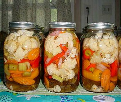 20 - Homemade Giardiniera Mix http://thegardeningcook.com/home-made-gardenia-mix/
