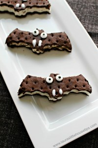 Spooky Bat Ice Cream Sandwiches www.lauraslittlehousetips.com
