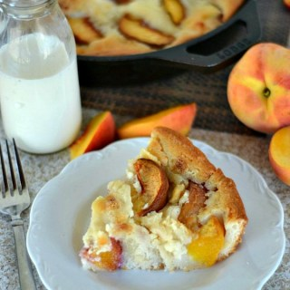 Iron Skillet Peaches & Cream Cobbler www.lauraslittlehousetips.com