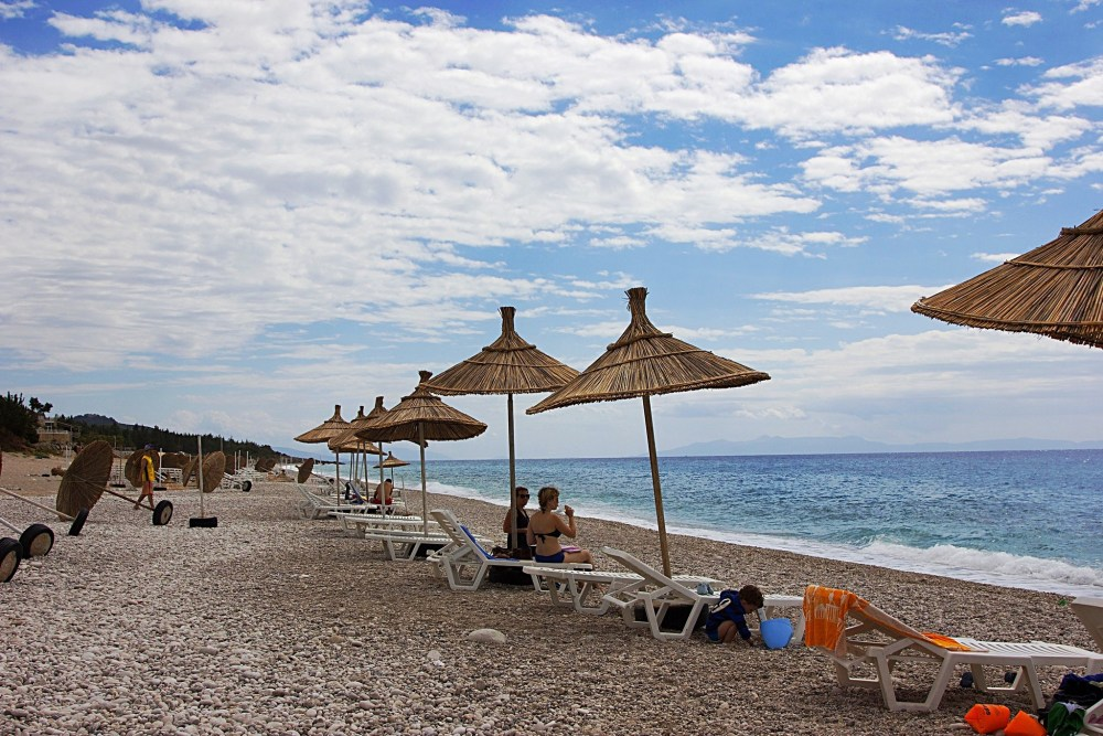 Holiday plans: where to relax on the Albanian riviera, Drimadhes beach bar (6/6)