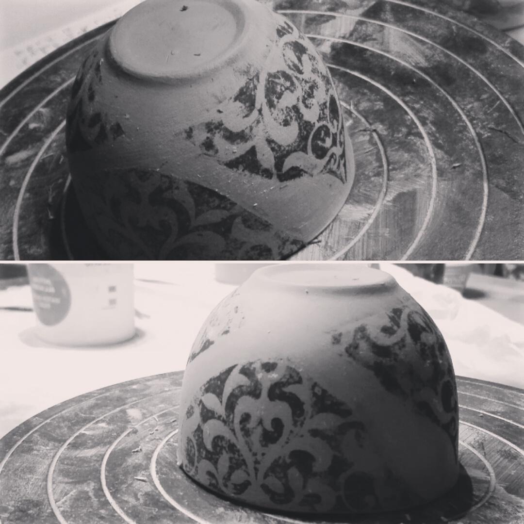 Puoi trasferire la decorazione che preferisci sulla ceramica; Stampa Manuale Su Argilla Laura And Pottery