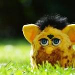 Música con juguetes: el órgano Furby – Laura Tejerina