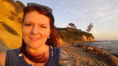 Laura Walker Writer