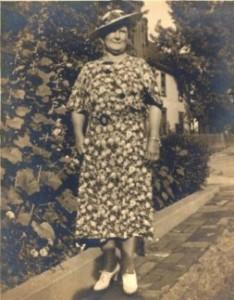 Flora Lancaster Black