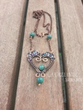 wire wrapped hart hanger
