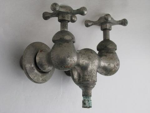 Antique Victorian Claw Foot Bath Tub Or Shower Faucet W