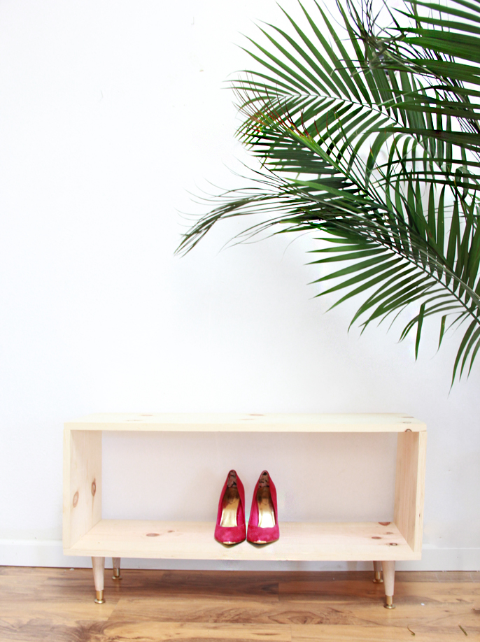 DIY wooden shoe rack by A Bubbly Life