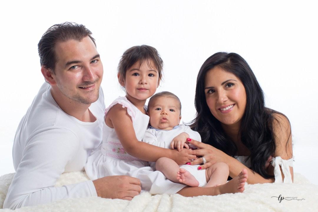 séance photo en famille chez laurence pouget photographie à sanary dans le var