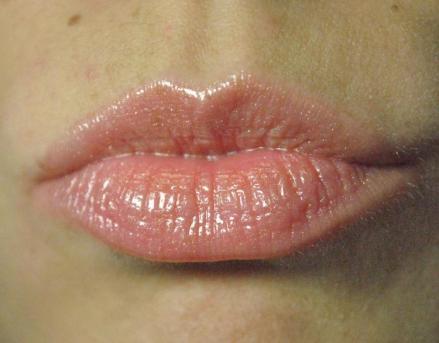 denise healthy lips stila