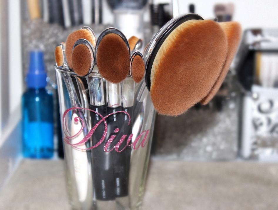 divalicious-artis-brush-review-1
