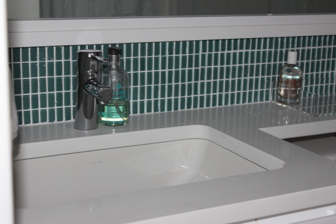 1 Empty-Sink0011