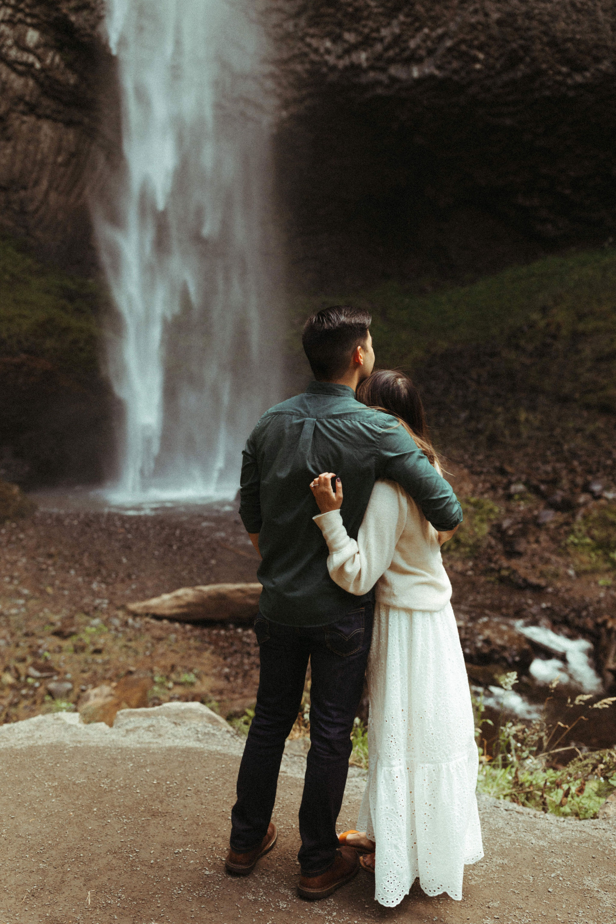 adventurous waterfall engagement session in portland oregon