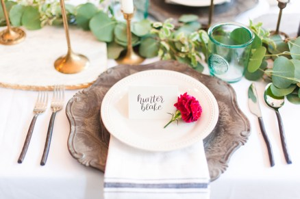 navy-calligraphy-hot-pink-carnation-place-setting-1